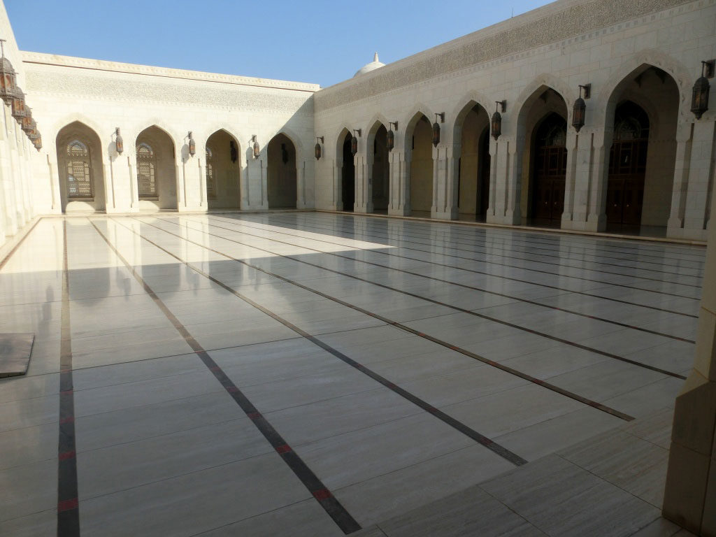 Sultan-Qaboos-Grand-Mosque​-2