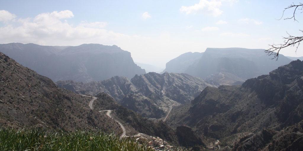 jabal-Gebel-Akhdar-–-Der-gruene-Berg-anfahrt-serpentinen