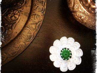 Blume der Erinnerung für Srebrenica - Symbol für eine bessere Zukunft 2