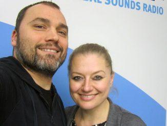 Konversation führen und Musik hören mit Danko Rabrenovic